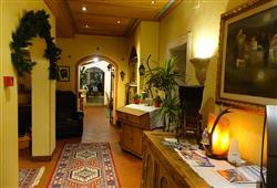 Hotel Sextner Hof - 5denní lyžařský balíček se skipasem a dopravou v ceně***17
