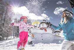 Hotel Simpaty - 6denný lyžiarsky balíček so skipasom a dopravou v cene***52