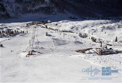 Hotel La Molinella - 5denní lyžařský balíček s denním přejezdem a skipasem v ceně***10