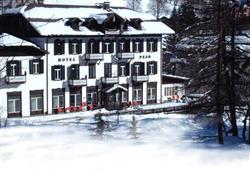 Hotel Pejo - 6denní lyžařský balíček s denním přejezdem a skipasem v ceně***2