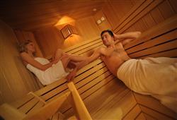Hotel Pejo - 6denní lyžařský balíček s denním přejezdem a skipasem v ceně***18