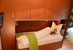 Hotel Pejo - 6denní lyžařský balíček s denním přejezdem a skipasem v ceně***7