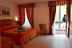 Hotel Pejo - 6denní lyžařský balíček s denním přejezdem a skipasem v ceně***9