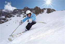 Hotel Pejo - 6denní lyžařský balíček s denním přejezdem a skipasem v ceně***20