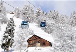 Hotel Pejo - 6denní lyžařský balíček s denním přejezdem a skipasem v ceně***0