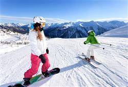 Hotel Pejo - 6denní lyžařský balíček s denním přejezdem a skipasem v ceně***26