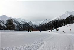 Hotel Pejo - 6denní lyžařský balíček s denním přejezdem a skipasem v ceně***23