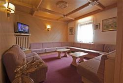 Hotel De Fronz - 5denní lyžařský balíček s denním přejezdem a skipasem v ceně***11