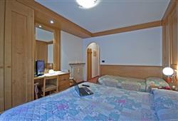 Hotel De Fronz - 5denní lyžařský balíček s denním přejezdem a skipasem v ceně***6
