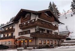 Hotel De Fronz - 5denní lyžařský balíček s denním přejezdem a skipasem v ceně***0