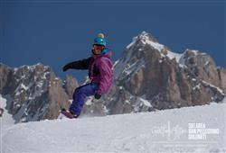 Hotel De Fronz - 5denní lyžařský balíček s denním přejezdem a skipasem v ceně***18