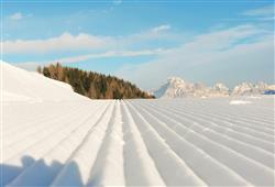 Hotel De Fronz - 5denní lyžařský balíček s denním přejezdem a skipasem v ceně***19