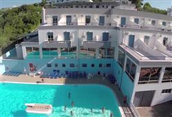 Rezidencia Baia Santa Barbara***3
