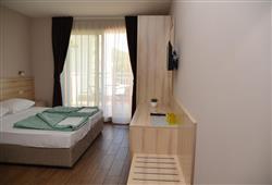 Hotel Drvenik Palace***5