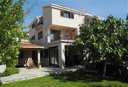 Apartmánový dom Damir***0