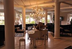 Hotel Domizia Palace****5