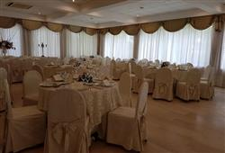 Hotel Domizia Palace****6