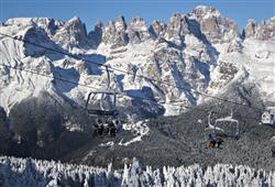 Hotel Piancastello - 5denní lyžařský balíček se skipasem a dopravou v ceně***31