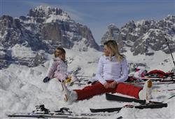 Hotel Piancastello - 5denní lyžařský balíček se skipasem a dopravou v ceně***34