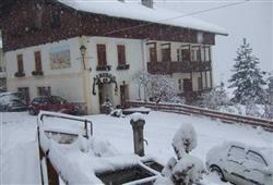 Hotel Lucia**2