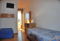 Hotel Lucia**5