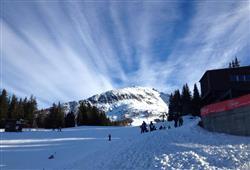 Hotel Derby - 6denní lyžařský balíček s denním přejezdem a skipasem v ceně***20