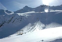 Hotel Derby - 6denní lyžařský balíček s denním přejezdem a skipasem v ceně***27