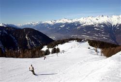 Hotel Derby - 6denní lyžařský balíček s denním přejezdem a skipasem v ceně***28