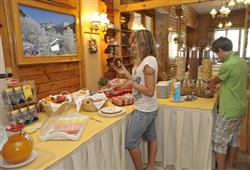 Hotel Meuble Sci Sport Hotel** and Residence*****7