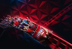Eurosat – cancan coaster je horská dráha, která vás zavede k Moulin Rouge do doby Belle Epoque