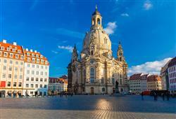 Symbolem města je barokní kostel Panny Marie