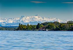 Průzračné jezero a dechberoucí panoramata