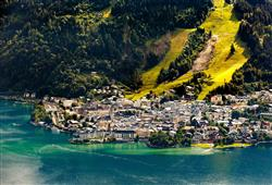 Dopoledne strávíme v Zell am See umístěného v krásném prostředí
