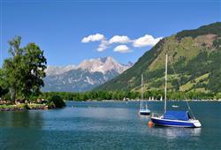 Kochat se budeme i z vodní hladiny Zellerského jezera