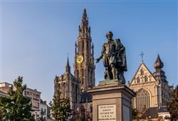 Uvidíme i místa spojená s malířem Paulem Rubensem, který zde našel svůj domov