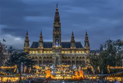 S průvodcem se podíváte na vánoční trh Christkindlmarkt am Rathausplatz