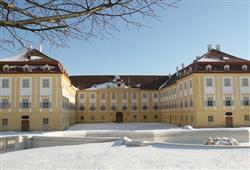 Zámek Schloss Hof je v zimě kouzelný
