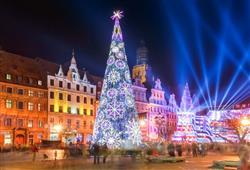 Trhy se pořádají v jednom z největších středověkých náměstí v Evropě