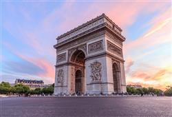 S průvodcem si projdete skvosty paříže – třeba i slavný Vítězný oblouk