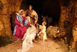 Součástí trhů je mnoho atrakcí s vánoční tematikou