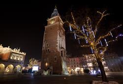 Město září tisíci světýlek