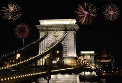 S průvodcem si projdete celé město, chybět nebude ani slavný Řetězový most
