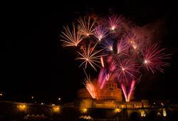 O půl noci se nebe nad Římem rozzáří nádherným ohňostrojem