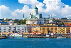 Panoramatu Helsinek dominuje Helsinská katedrála stojící na Senátním náměstí