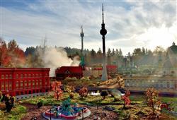 Lego miniland je svět zmenšený v měřítku 1:20, kde navštívíte Benátky, Berlín i holandské mlýny