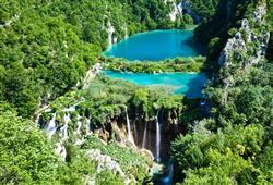 Čas strávený na Plitvických jezerech bude utíkat doslova jako voda
