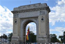 """Bukurešti se přezdívá """"Paříž východu"""", do města totiž na konci 19. století dorazilo několik francouzských nebo ve Francii studovaných architektů"""