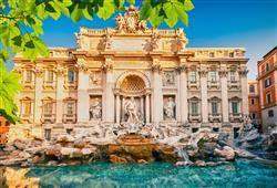 Fontánu di Trevi nesmíme vynechat. Je považována za nejkrásnější v Římě