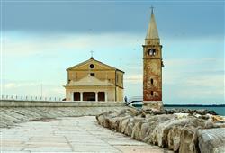 kostelíček na pláži