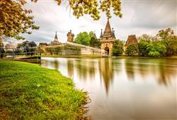 Kouzelný zámek Franzensburg, čokoládovna a plavba po podzemním jezeře1